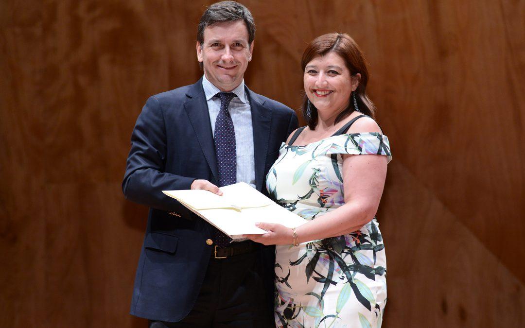 Carla Tapia Guerrero obtiene premio a la Excelencia Académica 2017