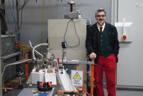 Nuestro profesor Leopoldo Soto es entrevistado por El Mercurio, sobre la alternativa energética de fusión nuclear.