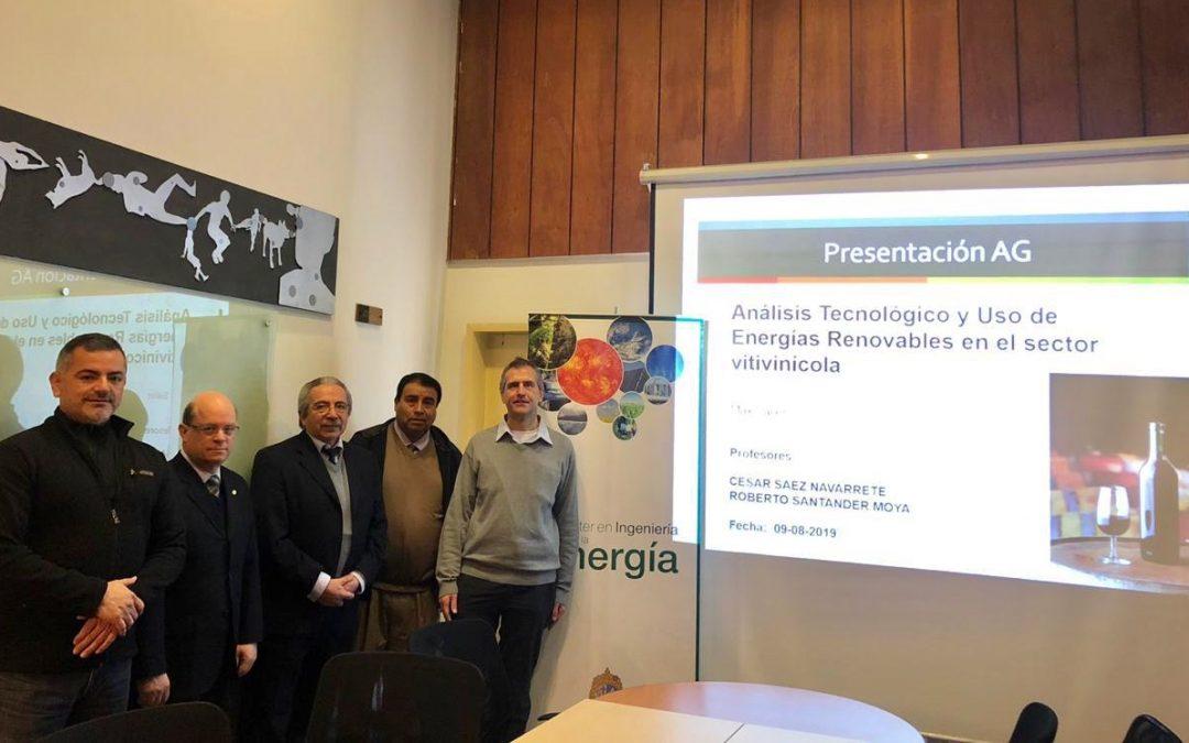 Maximilian Sailer se convierte en nuevo graduado del Magíster en Ingeniería de la Energía de la Pontificia Universidad Católica de Chile.